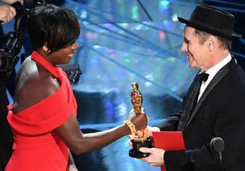 Viola Davis vince l'Oscar come miglior attrice non protagonista