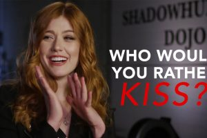 "Shadowhunters – Il cast gioca a ""Chi preferiresti baciare?"" – Video SUB ITA"