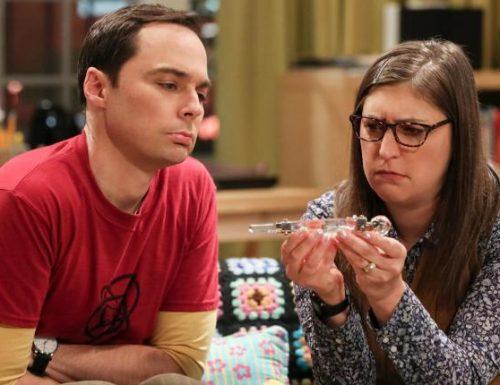 The Big Bang Theory – 12×02 – The Wedding Gift Wormhole – Promo, 3 Sneak Peeks e foto promozionali