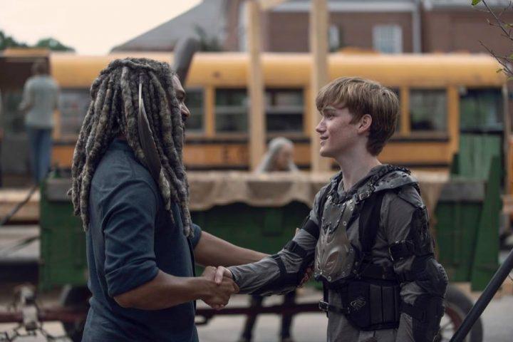Khary Payton as Ezekiel, Matt Lintz as Henry - The Walking Dead _ Season 9, Episode 6 - Photo Credit: Gene Page/AMC